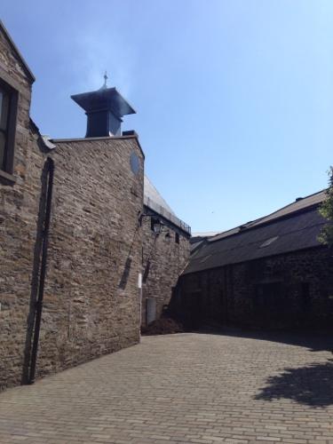 Highland Park distillery - steaming chimney