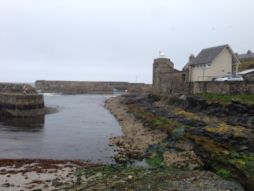 Portsoy - colourful rocks
