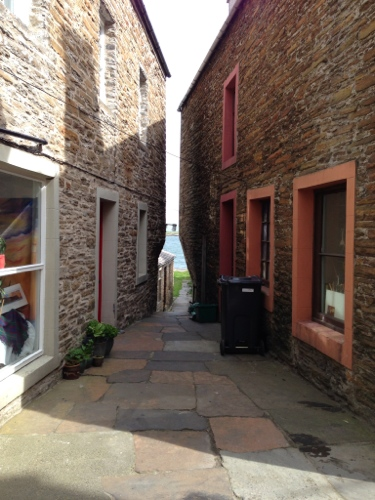 Stromness - cool alleyway