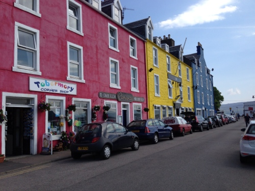 Tobermory - brightly painted houses