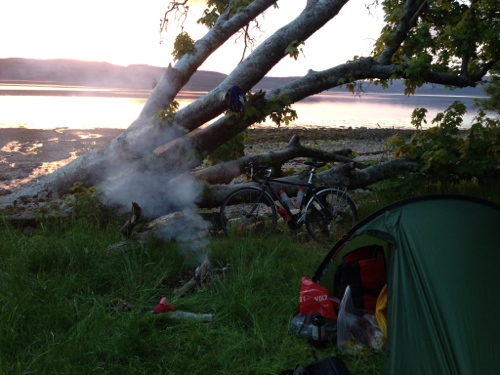 Tent_up_and_fire_smoking_nicely - shores of Loch Fyne