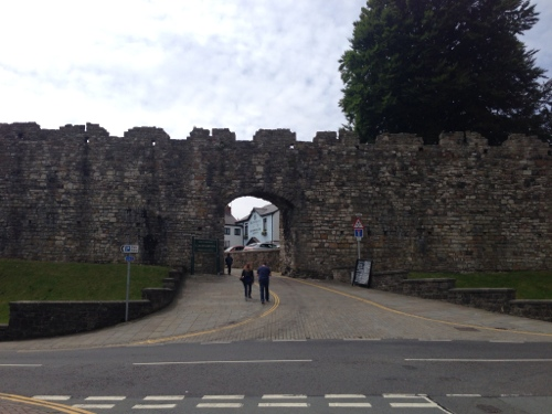Caernarfon - town wall from the marina