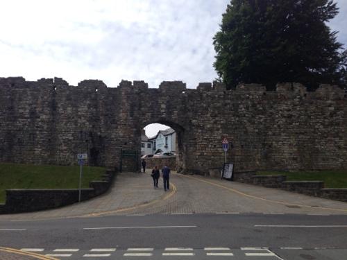Caernarfon - town wall from the marina