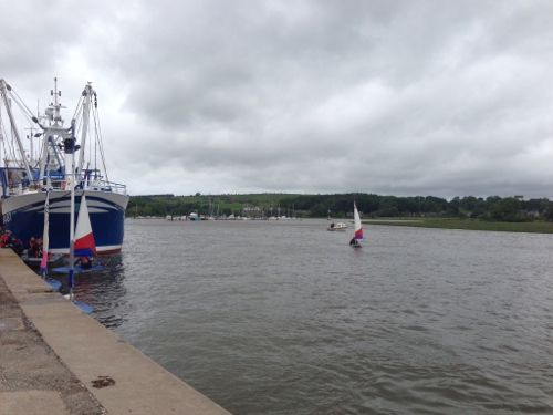 Kirkcudbright waterside - few dinghies out sailing