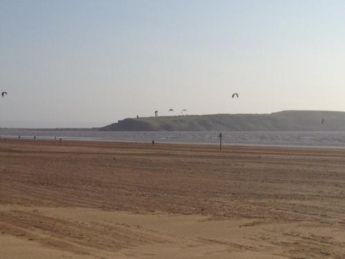 Weston-super-Mare - Kite Surfers 1