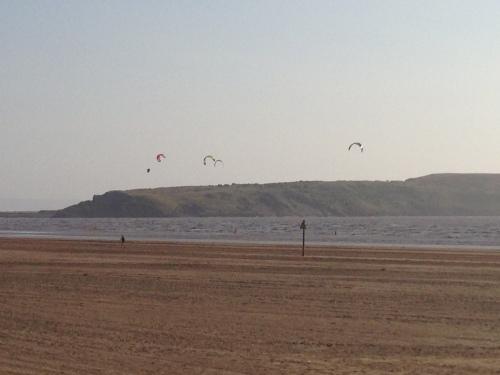 Weston-super-Mare - Kite Surfers 2