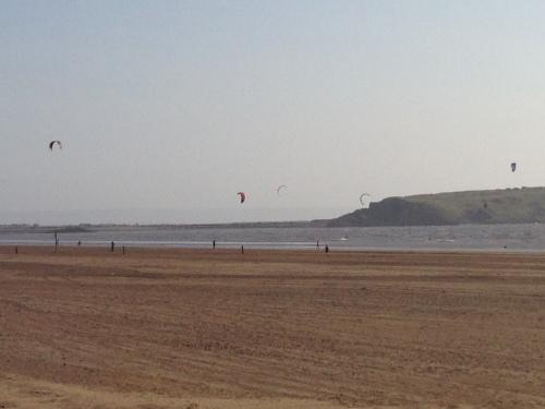 Weston-super-Mare - Kite Surfers 3