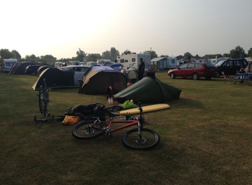 Loveders Farm campsite - morning campers